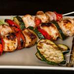 Hähnchen-Grillspieße mit Gemüse in Knoblauchmarinade